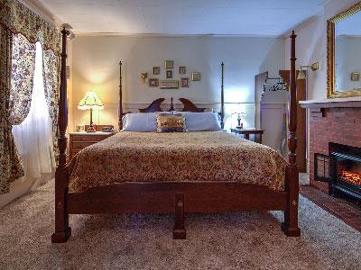 Rosewood Inn, Corning, NY    Rooms