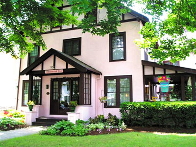 Rosewood Inn - Finger Lakes bed and breakfast lodging in Corning, New York.